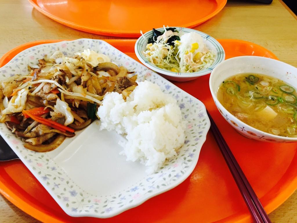 懐かしの野菜炒め定食