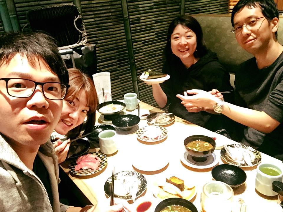 同じく新婚旅行だったトネッチ夫妻と寿司で締めました